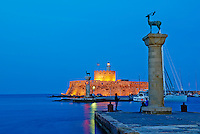 Grece, Dodecanese, Rhodes, ville de Rhodes, port de Mandraki // Greece, Dodecanese, Rhodes island, Rhodes city, Mandraki harbour
