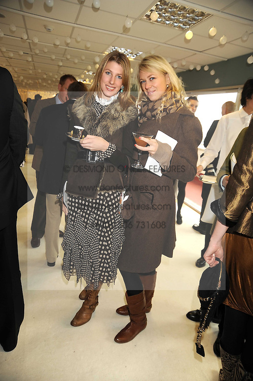 Left to right, SUSANNA WARREN and SOPHIE CROSS at the 2008 Hennessy Gold Cup held at Newbury racecourse, Berkshire on 29th November 2008.<br /> <br /> NON EXCLUSIVE - WORLD RIGHTS