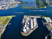 Nederland, Noord-Holland, Amsterdam, 02-09-2020; Petroleumhaven met Benzine terminal van VARO. Zicht op de Noorder IJ-Plas en Noorder IJpolder. <br />  Petroleum harbor with VARO petrol terminal.<br /> <br /> luchtfoto (toeslag op standard tarieven);<br /> aerial photo (additional fee required);<br /> copyright foto/photo Siebe Swart