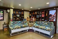 Russie, Region de la Volga, Oblast d'Astrakhan, Ville d'Astrakhan, boutique de caviar, Astrakhan est la capitale du caviar // Russia, Volga region, Astrakhan city capital of caviar, caviar shop
