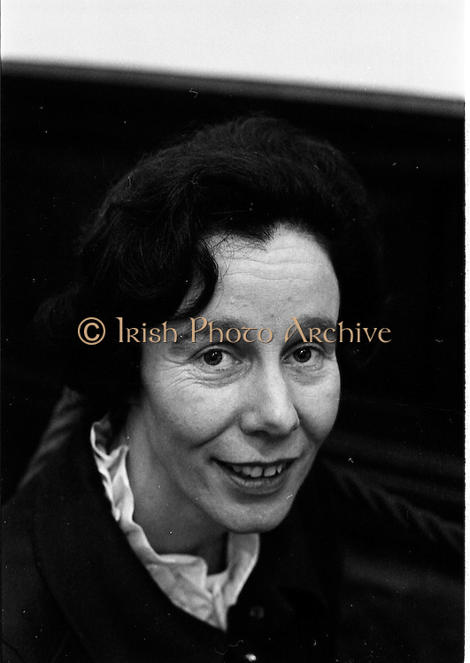 07/01/1969.01/07/1969.07 January 1969.Contemporary Hangings Exhibition at the Municiapal Art Gallery, Dublin.  .Miss Cecil O'Donoghue.