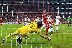 17-04-2012 VOETBAL: UEFA CL FC BAYERN MUNCHEN - REAL MADRID CF: MUNCHEN<br /> Tor zum 1-0 durch Franck Ribery<br /> ***NETHERLANDS ONLY***<br /> ©2012-FotoHoogendoorn.nl-NPH/Straubmeier