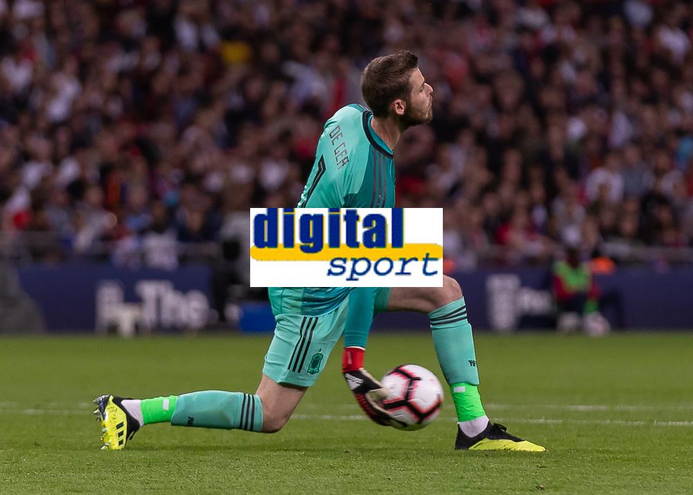 Football - 2018 / 2019 UEFA Nations League A - Group Four: England vs. Spain<br /> <br /> David de Gea (Spain) rolls the ball out at Wembley Stadium.<br /> <br /> COLORSPORT/DANIEL BEARHAM