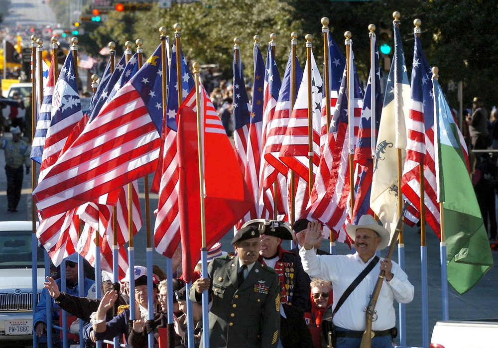Austin, TX 11NOV04: Texans parade up Congress Avenue and gather at the State Capitol to commemorate Veteran's Day<br /> ©Bob Daemmrich/