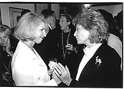 Barbara Walters. Sally Quinn. Ben Bradley Book Party. 25 Sept '95© Copyright Photograph by Dafydd Jones 66 Stockwell Park Rd. London SW9 0DA Tel 020 7733 0108 www.dafjones.com