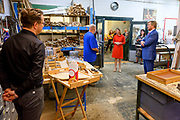 TILBURG, 2-9-2020 Schijvens corporate fashion<br /> <br /> Koning Willem Alexander met staatssecretaris Stientje van Veldhoven van Infrastructuur en Waterstaat tijdens een werkbezoek aan kringloopwinkel La Poubelle in Tilburg. Beide bezoeken stonden in het teken van het thema circulaire economie.<br /> <br /> King Willem Alexander with State Secretary Van Veldhoven of Infrastructure and Water Management during a working visit to the thrift store La Poubelle in Tilburg. Both visits focused on the theme of circular economy.