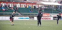 13. April 2009 , Fotball , Adeccoligaen , Stavanger IF (SIF) - Moss , Stille før stormen , oppvarming , tilskuere , tatt kl 17:20 og allerede begynner folk å komme til siffen