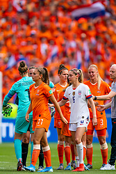 07-07-2019 FRA: Final USA - Netherlands, Lyon<br /> FIFA Women's World Cup France final match between United States of America and Netherlands at Parc Olympique Lyonnais. USA won 2-0 / Lieke Martens #11 of the Netherlands, Sari van Veenendaal #1 of the Netherlands, Morgan Brian #6 of the United States