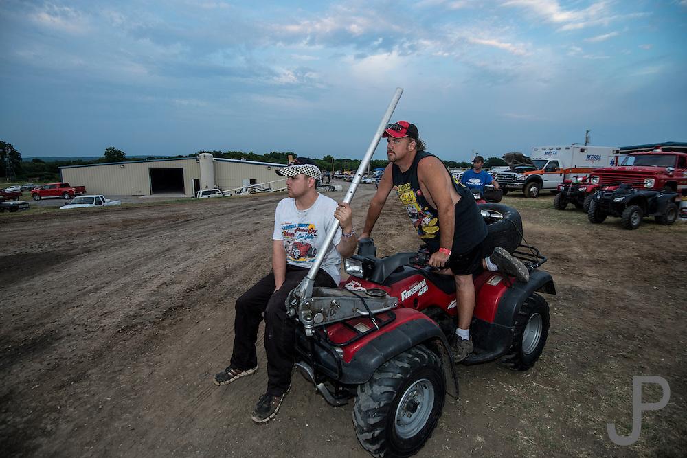 Dirt track racing at Salina High Banks speedway in Salina, OK