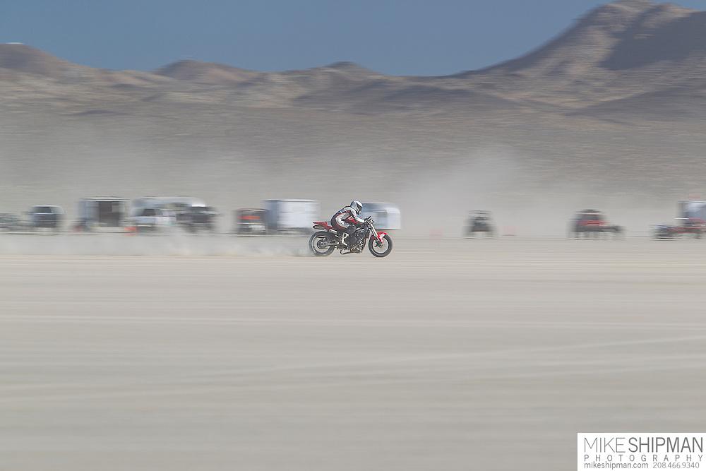 Pflum Wagner Racing, 977B, eng 1000CC, body A-F, driver, Jeannie Pflum, 198.765 mph, previous record 195.880