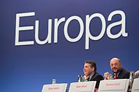 26 JAN 2014, BERLIN/GERMANY:<br /> Sigmar Gabriel (L), SPD Parteivorsitzender, und Martin Schulz (R), SPD, Praesident des Europaeischen Parlamentes und desig. Spitzenkandidat zur Europawahl, im Gespraech, SPD Europadelegiertenkonferenz und a.o. Bundesparteitag, Arena Berlin<br /> IMAGE: 20140126-01-080<br /> KEYWORDS: party congress, Parteitag, Gespräch, Europa