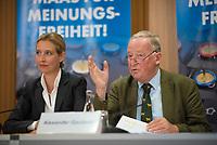 DEU, Deutschland, Germany, Berlin, 12.07.2017: Die beiden Spitzenkandidaten der Partei Alternative für Deutschland (AfD) zur Bundestagswahl, Alice Weidel und Alexander Gauland bei einer Pressekonferenz zum Thema Netzwerkdurchsuchungsgesetz vs. Meinungsfreiheitsgesetz.