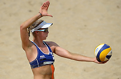 18-07-2014 NED: FIVB Grand Slam Beach Volleybal, Scheveningen<br /> Knock out fase - Madelein Meppelink