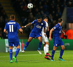 Danny Simpson of Leicester City wins a header above Jelle Vossen of Club Brugge - Mandatory by-line: Matt McNulty/JMP - 22/11/2016 - FOOTBALL - King Power Stadium - Leicester, England - Leicester City v Club Brugge - UEFA Champions League