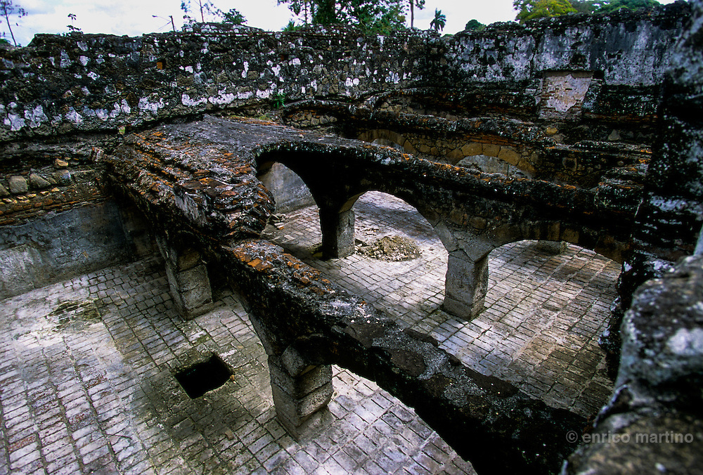 Panama Viejo (the first city destroyed by Henry Morgan), ruins of Convento de la Merced.