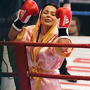 NLD/Amsterdam/20181107 - Opname Boxingstars 2018, 2e aflevering, opkomst Amanda Tsatsos - Balk