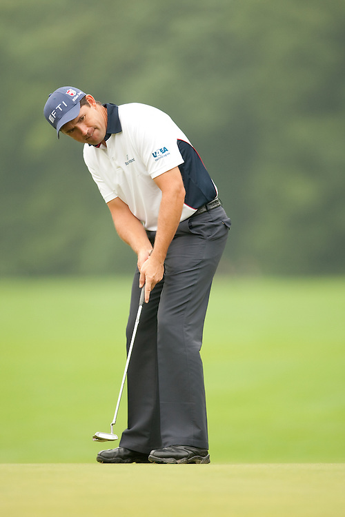 FARMINGDALE, NY - JUNE 19:  Padraig Harrington putts during the continuation of the first round of the 109th U.S. Open Championship on the Black Course at Bethpage State Park on Friday, June 19, 2009. (Photograph by Darren Carroll) *** Local Caption *** Padraig Harrington