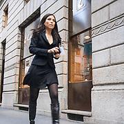 Il FuoriSalone 2010 nelle vie di centrali Milano.<br /> Via Montenapoleone<br /> <br /> street life in Napoleone street during the International Furniture show in Milan
