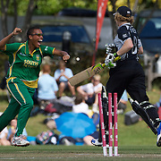 Alicia Smith (left) celebrates the run out of Haidee Tiffen during the South Africa  V New Zealand group A match at Bradman Oval in the ICC Women's World Cup Cricket Tournament, in Bowral, Australia on March 12, 2009.New Zealand won the match by 199 runs. Photo Tim Clayton