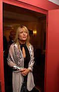 Gaby roslin, Chocolate Ball in aid of the Sargent Care for Children. , Cafe Royal. 11 March 2004. ONE TIME USE ONLY - DO NOT ARCHIVE  © Copyright Photograph by Dafydd Jones 66 Stockwell Park Rd. London SW9 0DA Tel 020 7733 0108 www.dafjones.com