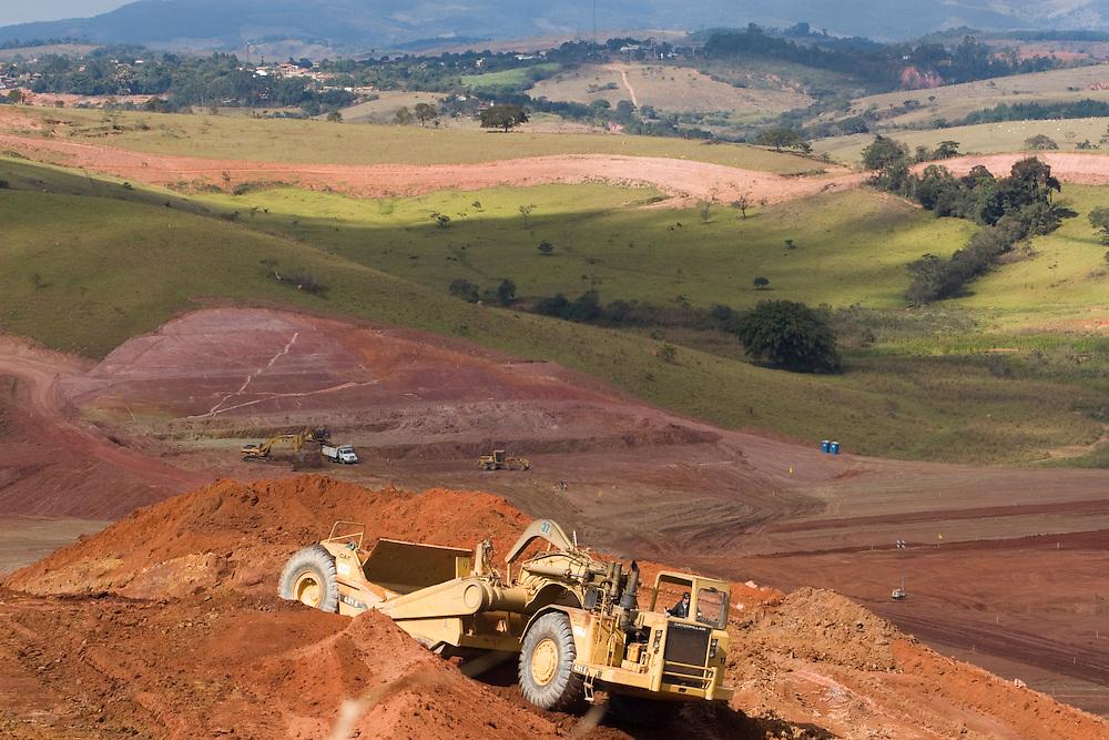 Jeceaba_MG, Brasil..Construcao de uma usina siderurgica em Jeceaba...The construction of the steel industry in Jeceaba...Foto: VICTOR SCHWANER / NITRO