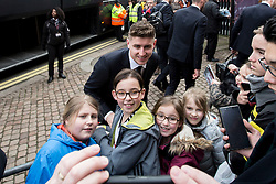 Tom Cairney of Fulham arrives at craven cottage and poses for fans - Mandatory by-line: Jason Brown/JMP - 19/02/2017 - FOOTBALL - Craven Cottage - Fulham, England - Fulham v Tottenham Hotspur - Emirates FA Cup fifth round