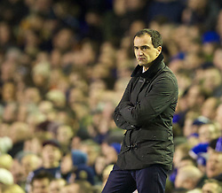 04.01.2014, Goodison Park, Liverpool, ENG, FA Cup, FC Everton vs Queens Park Rangers, 3. Runde, im Bild Everton's manager Roberto Martinez gives Nikica Jelavic, filthy look after he missed, penalty against Queens Park Rangers // during the English FA Cup 3rd round match between Everton FC and Queens Park Rangers at the Goodison Park in Liverpool, Great Britain on 2014/01/04. EXPA Pictures © 2014, PhotoCredit: EXPA/ Propagandaphoto/ David Rawcliffe<br /> <br /> *****ATTENTION - OUT of ENG, GBR*****