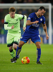 Kevin De Bruyne of Manchester City (L) and Daniel Drinkwater of Leicester City in action  - Mandatory byline: Jack Phillips/JMP - 07966386802 - 29/12/2015 - SPORT - FOOTBALL - Leicester - King Power Stadium - Leicester City v Manchester City - Barclays Premier League