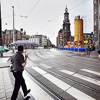 Nederland, Amsterdam , 7 augustus 2012..De eerste tekenen van voorbereidingen van de boor  van de Noord Zuid lijn zijn reeds zichtbaar op het Muntplein..Foto:Jean-Pierre Jans
