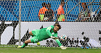 Fotball<br /> VM 2014<br /> 05.07.2014<br /> Nederland v Costa Rica<br /> Foto: imago/Digitalsport<br /> NORWAY ONLY<br /> <br /> Netherlands goalkeeper Tim Krul blocks a penalty shot by Costa Rica s Bryan Ruiz in the penalty shoot-out during a quarter-finals match between Netherlands and Costa Rica of 2014 FIFA World Cup at the Arena Fonte Nova Stadium in Salvador, Brazil, on July 5, 2014. Netherlands won 4-3 on penalties over Costa Rica after a 0-0 tie and qualified for semi-finals on Saturday.