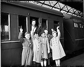 1959 - Scholarship winners leave for the Gaeltacht