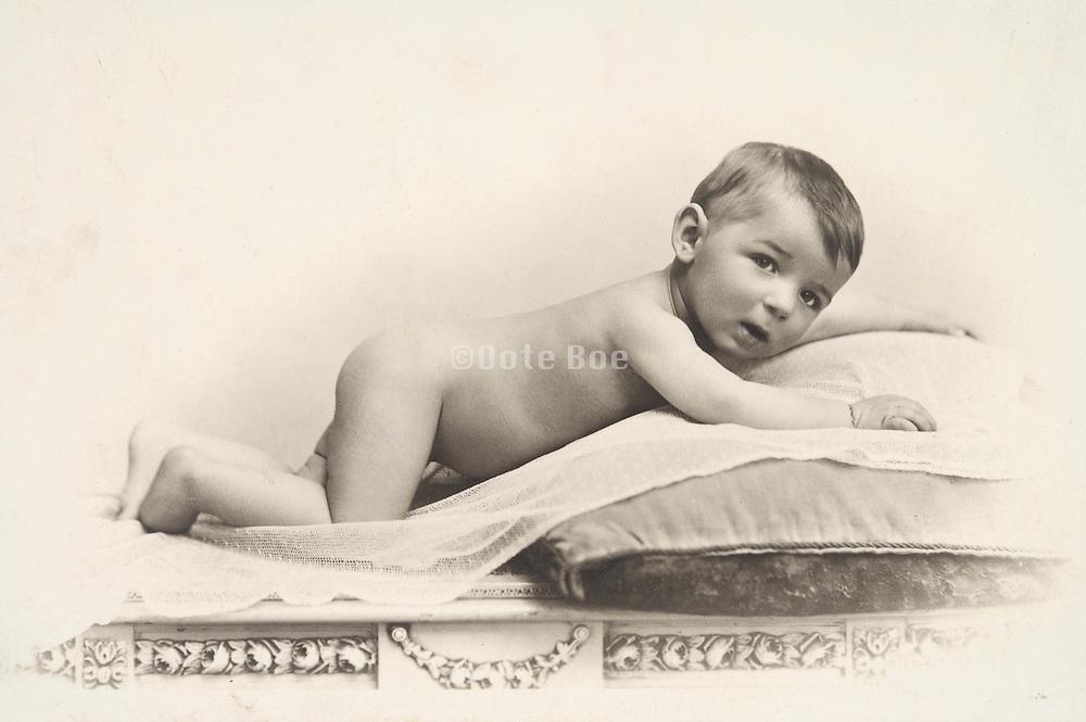 a classical portrait of a little child