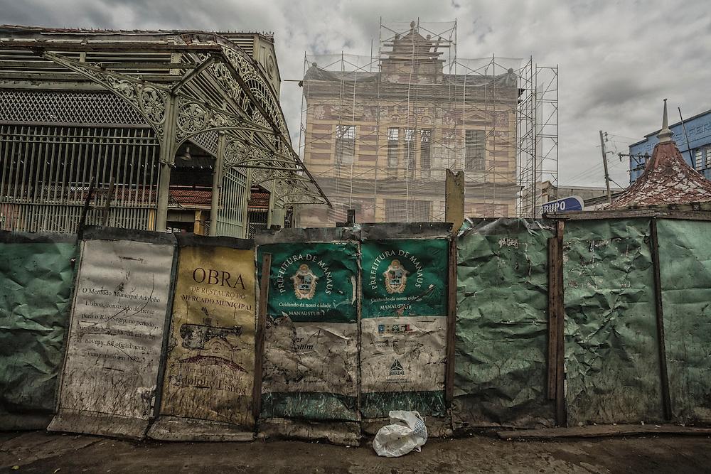Brazil, Amazonas, rio Negro, Manaus. <br /> <br /> Mercado municipal, halle du marche construite d'après les plans de Gustave Eiffel en 1882. En 2010 Manaus constitue le troisième pole industriel du pays. La municipalite organise la restauration du marche pour accueillir la prochaine coupe du monde de football.