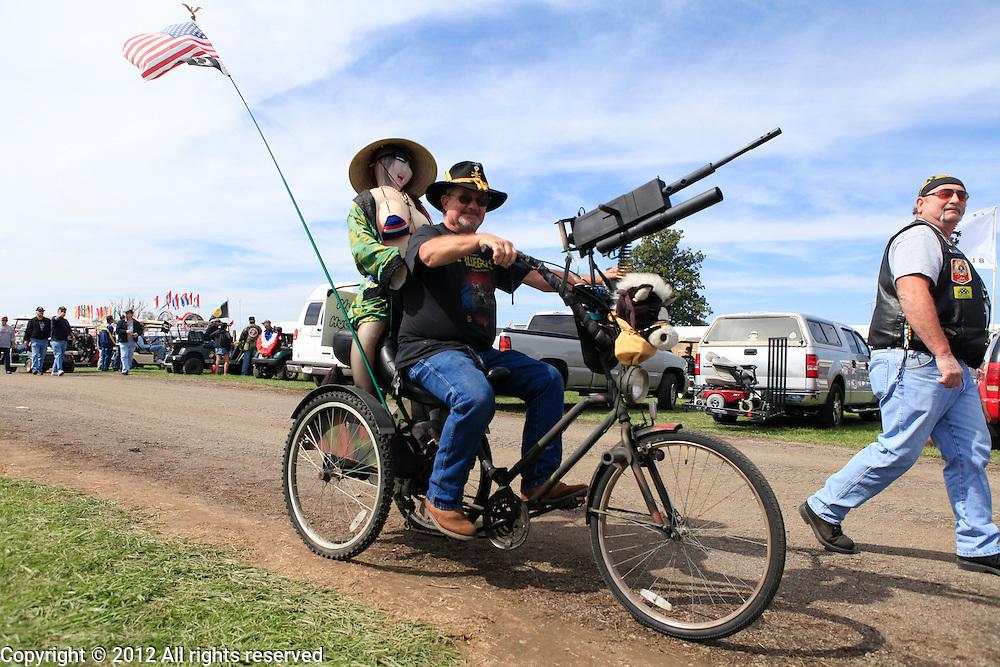 Kokomo Indiana Vietnam Veterans Reunion 2012 gun bike