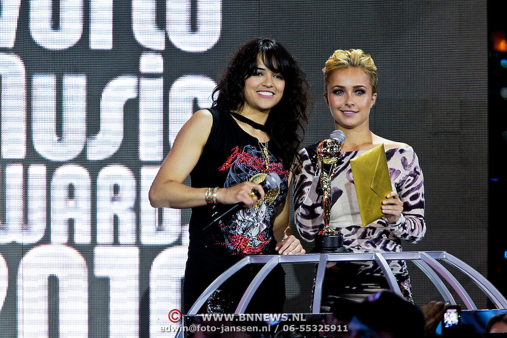 MON/Monte Carlo/20100512 - World Music Awards 2010, Michelle Rodriquez en Hayden Panettierre