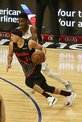 December 17, 2018 - Los Angeles, CA, U.S. - LOS ANGELES, CA - DECEMBER 17:Portland Trail Blazers Guard Seth Curry (31) making a move on Los Angeles Clippers Guard Shai Gilgeous-Alexander (2) during the Portland Trail Blazers at Los Angeles Clippers NBA game on December 17, 2018 at Staples Center in Los Angeles, CA.. (Photo by Jevone Moore/Icon Sportswire) (Credit Image: © Jevone Moore/Icon SMI via ZUMA Press)