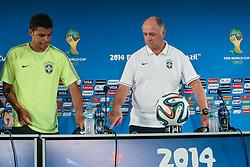 Coletiva do Brasil antes da partida contra o Camarões, válida pela terceira rodada do Grupo A da Copa do Mundo 2014, no Estádio Nacional Mané Garrincha, em Brasília-DF. FOTO: Jefferson Bernardes/ Vipcomm