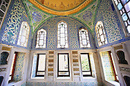 The Ottoman architecture of the Privy Chamber of Sultan Murad III decorated with 16th century Iznk tiles. Topkapi Palace, Istanbul, Turkey .<br /> <br /> If you prefer to buy from our ALAMY PHOTO LIBRARY  Collection visit : https://www.alamy.com/portfolio/paul-williams-funkystock/topkapi-palace-istanbul.html<br /> <br /> Visit our TURKEY PHOTO COLLECTIONS for more photos to download or buy as wall art prints https://funkystock.photoshelter.com/gallery-collection/3f-Pictures-of-Turkey-Turkey-Photos-Images-Fotos/C0000U.hJWkZxAbg