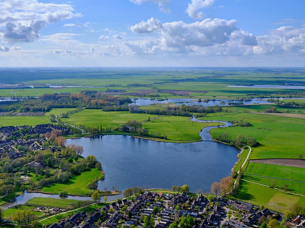 Nederland, Overijssel, gemeente Zwartewaterland; 07-05-2021; Wijde Aa, onderdeel Aa-park. De oude Westerveldse Aa mondt uit in uit in het Zwarte Water.<br /> Wide Aa, part of Aa park. The old Westerveldse Aa flows into the Zwarte Water.<br /> luchtfoto (toeslag op standard tarieven);<br /> aerial photo (additional fee required)<br /> copyright © 2021 foto/photo Siebe Swart
