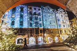 THEMENBILD - weihnachtlich angeleuchtete Häuserfront in der Altstadt, aufgenommen am 23. Jänner 2021 in Innsbruck, Oesterreich // House front in the old town illuminated for Christmas in Innsbruck, Austria on 2021/01/23. EXPA Pictures © 2021, PhotoCredit: EXPA/ JFK