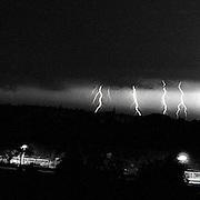 NLD/Soest/19910713 - Onweer en bliksem boven de vliegbasis Soesterberg in Soest