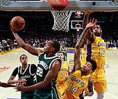 Basketball: 20170317 Los Angeles Lakers vs Milwaukee Bucks
