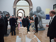 DAVID MACH WORK IN THE BACKGROUND, Annual Dinner. Royal Academy of Arts. Piccadilly. London. 8 June 2010. -DO NOT ARCHIVE-© Copyright Photograph by Dafydd Jones. 248 Clapham Rd. London SW9 0PZ. Tel 0207 820 0771. www.dafjones.com.