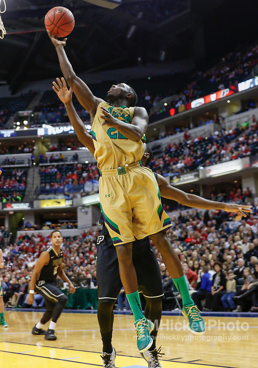 INDIANAPOLIS, IN - DECEMBER  20: Jerian Grant #22 of the Notre Dame Fighting Irish shoots the ball against the Purdue Boilermakers at Bankers Life Fieldhouse on December 20, 2014 in Indianapolis, Indiana. Indiana defeated Butler 82-73. (Photo by Michael Hickey/Getty Images) *** Local Caption *** Jerian Grant