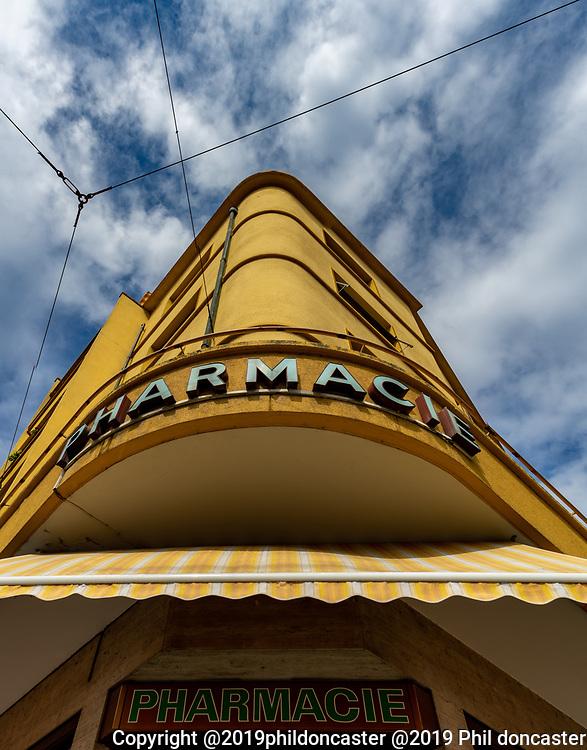 Art Deco swiss pharmacie