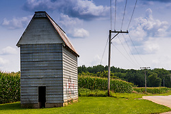 Corn Crib located along Schlappi Rd. in Tazwell County Illinois