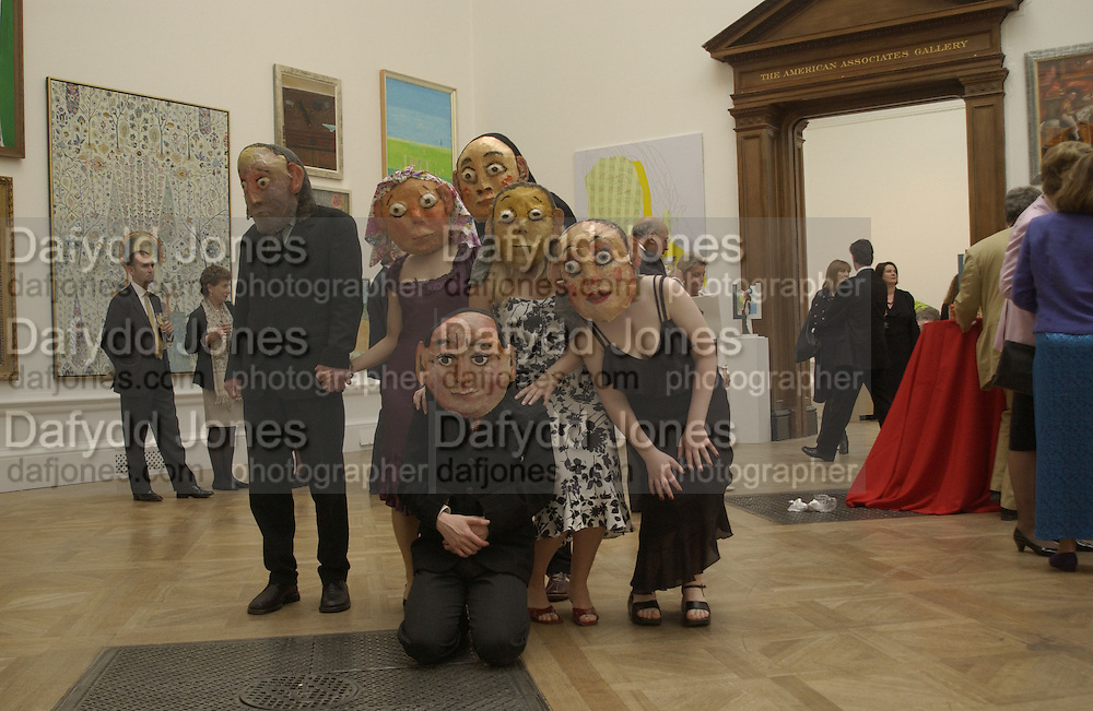 The Queen's celebration of the Arts. Royal Academy. 16 May 2002. © Copyright Photograph by Dafydd Jones 66 Stockwell Park Rd. London SW9 0DA Tel 020 7733 0108 www.dafjones.com