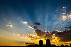 August 9, 2017 - Pôr do sol durante fim de tarde em Sorocaba, interior de SP. (Credit Image: © Cadu Rolim/Fotoarena via ZUMA Press)