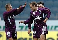 Fotball<br /> T-Mobile Bundesliga<br /> Austria Wien v Sturm Graz<br /> 4. april 2004<br /> Foto: Digitalsport<br /> Norway Only<br /> Vladimir Janocko, Sigurt Rushfeldt (A.Wien)