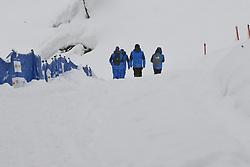 10.02.2021, Cortina, ITA, FIS Weltmeisterschaften Ski Alpin, Vorberichte, Die alpine Ski-Weltmeisterschaft findet von 8. bis 21. Februar 2021 in Cortina d'Ampezzo statt, im Bild Schneeräumung im Zielstadion // Workers at Stadium after 1st Race cancelled during preparations, the Alpine World Ski Championships will be held in Cortina d'Ampezzo from 8 to 21 February 2021, FIS Alpine Ski World Championships 2021 in Cortina, Italy on 2021/02/10. EXPA Pictures © 2021, PhotoCredit: EXPA/ Erich Spiess